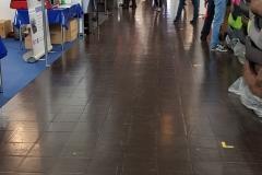 recht leere Gänge in der Shoppinghalle